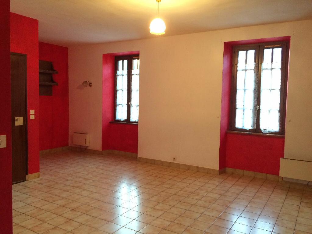 Location Appartement 3 pièces à Callac - vignette-2