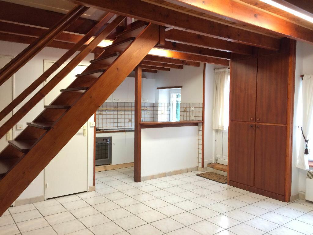 Location Maison 3 pièces à Glomel - vignette-1