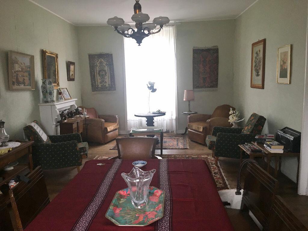 Achat Maison 7 pièces à Carhaix-Plouguer - vignette-2