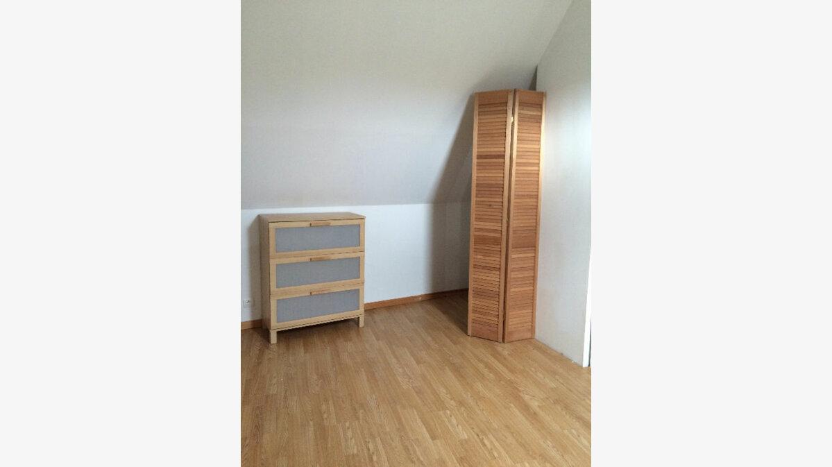 Location Appartement 3 pièces à Rostrenen - vignette-3