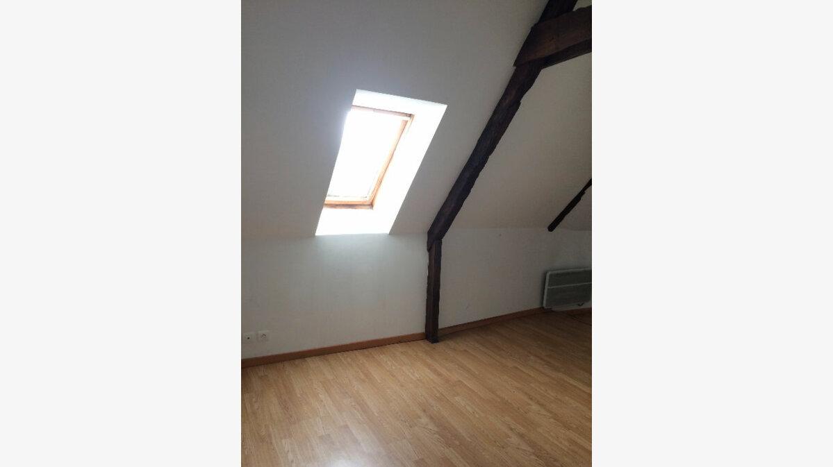 Location Appartement 3 pièces à Rostrenen - vignette-5