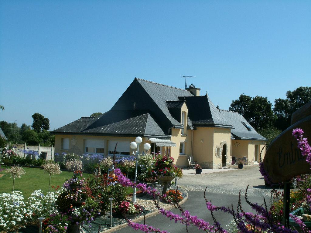 Achat Maison 11 pièces à Pommerit-le-Vicomte - vignette-1