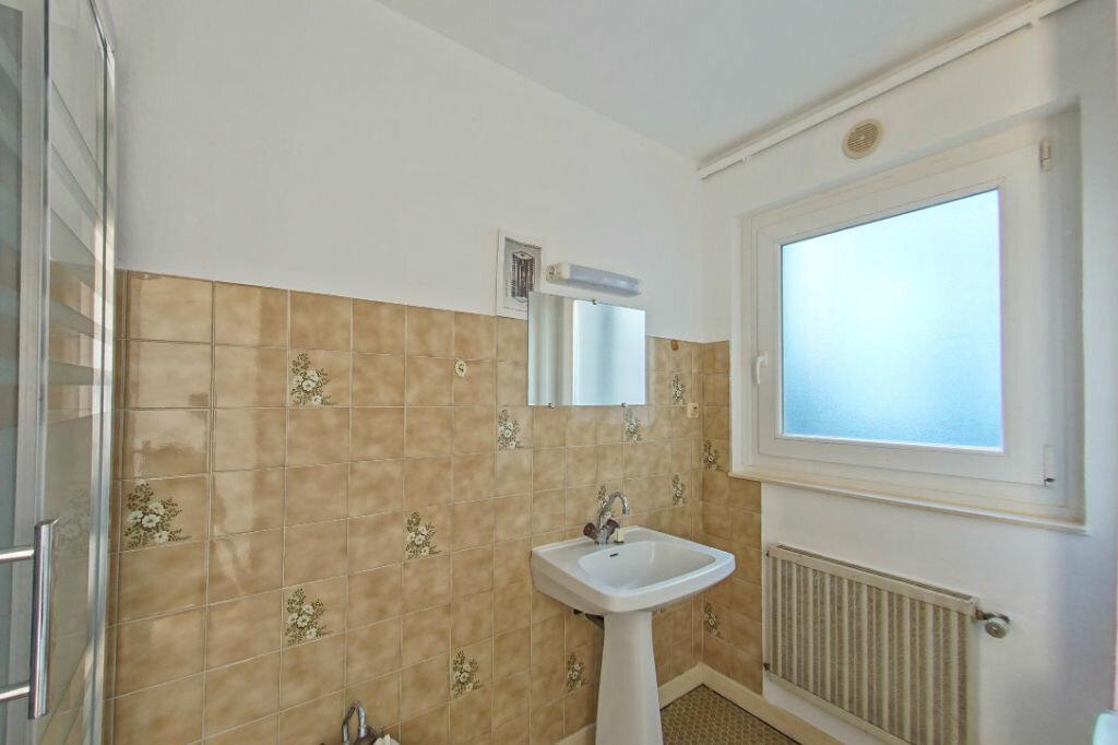Achat Appartement 1 pièce à Guingamp - vignette-3