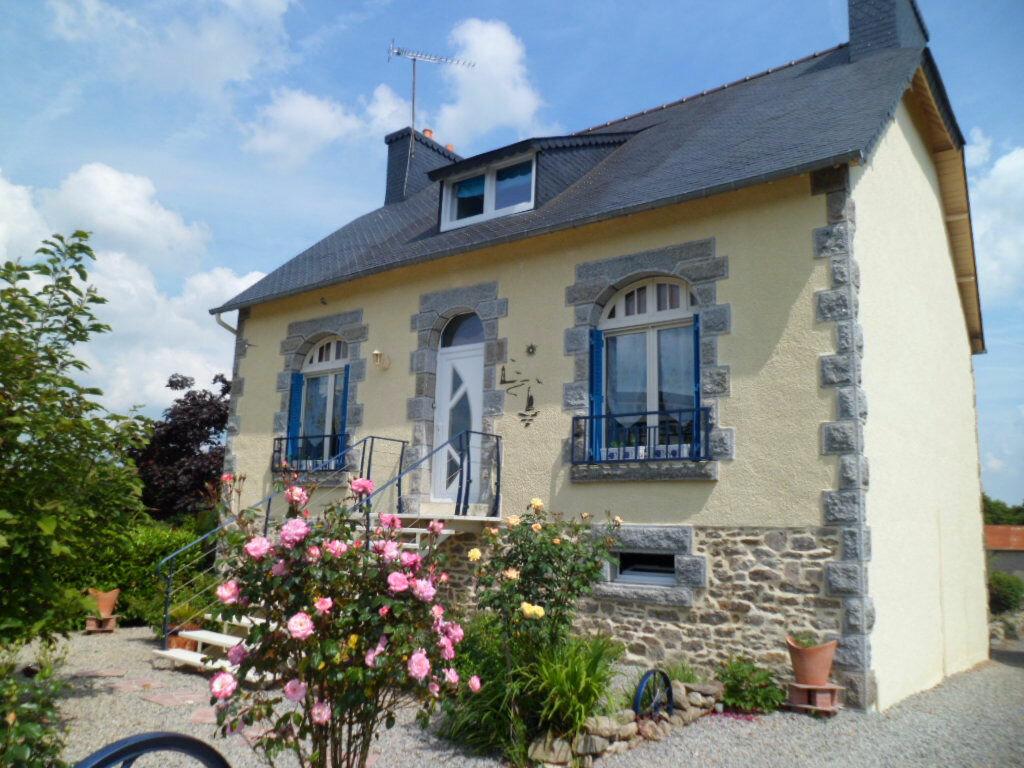 Achat Maison 6 pièces à Saint-Nicolas-du-Pélem - vignette-1
