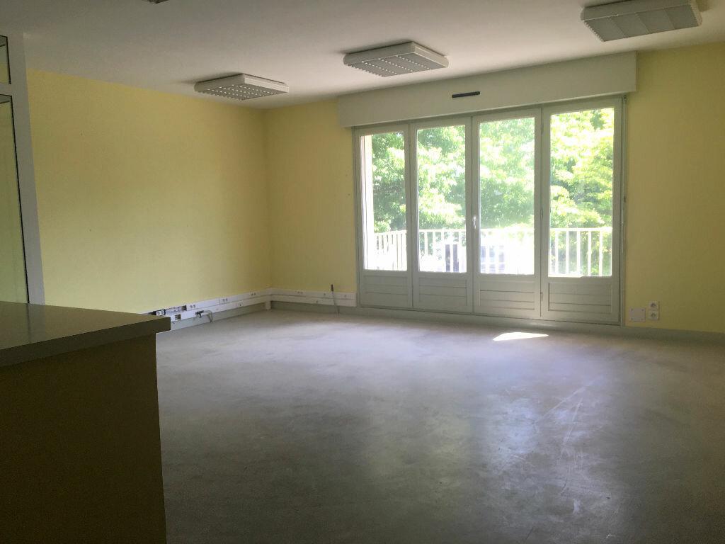 Achat Appartement 3 pièces à Carhaix-Plouguer - vignette-1