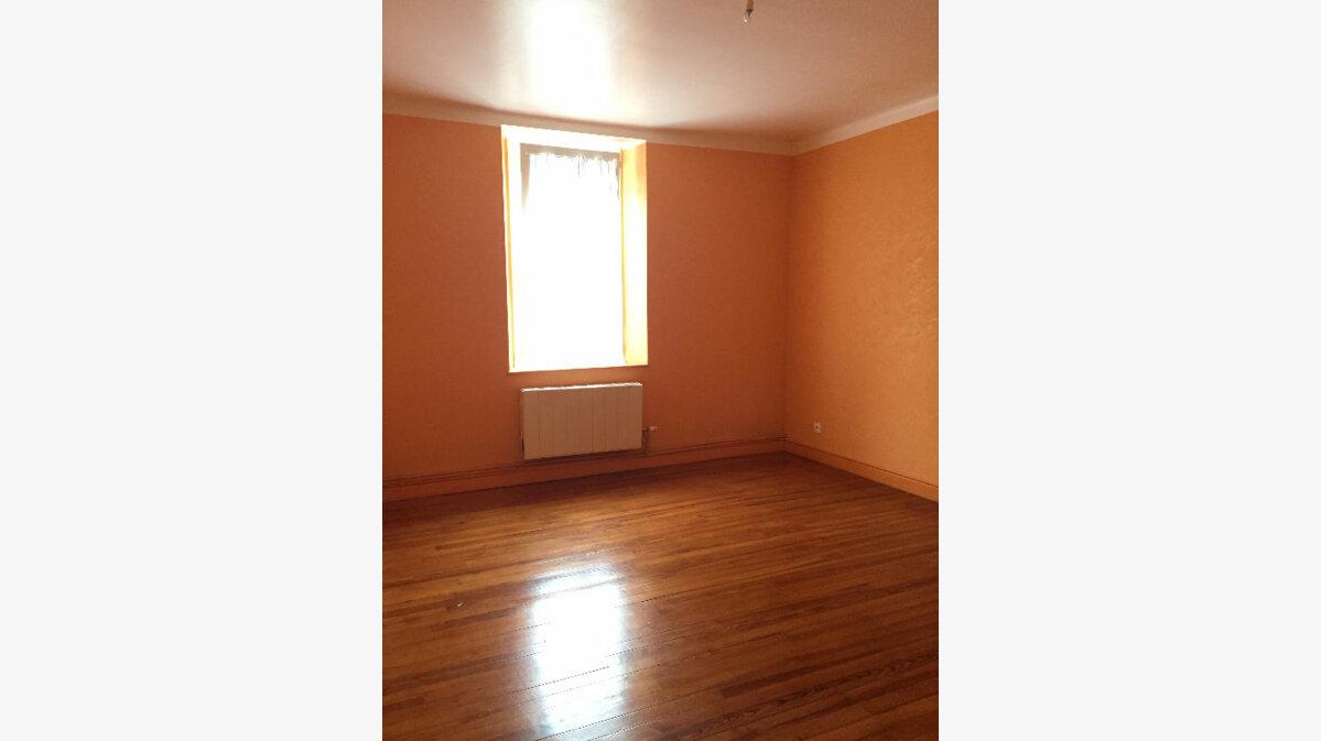 Location Appartement 4 pièces à Guingamp - vignette-1