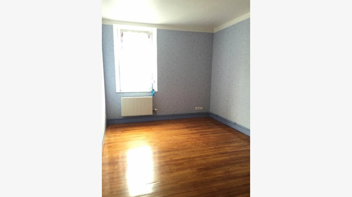 Location Appartement 4 pièces à Guingamp - vignette-2