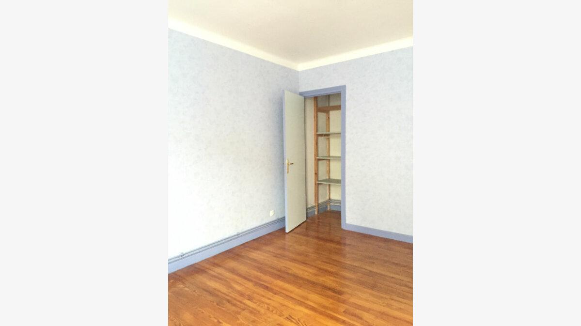 Location Appartement 4 pièces à Guingamp - vignette-3