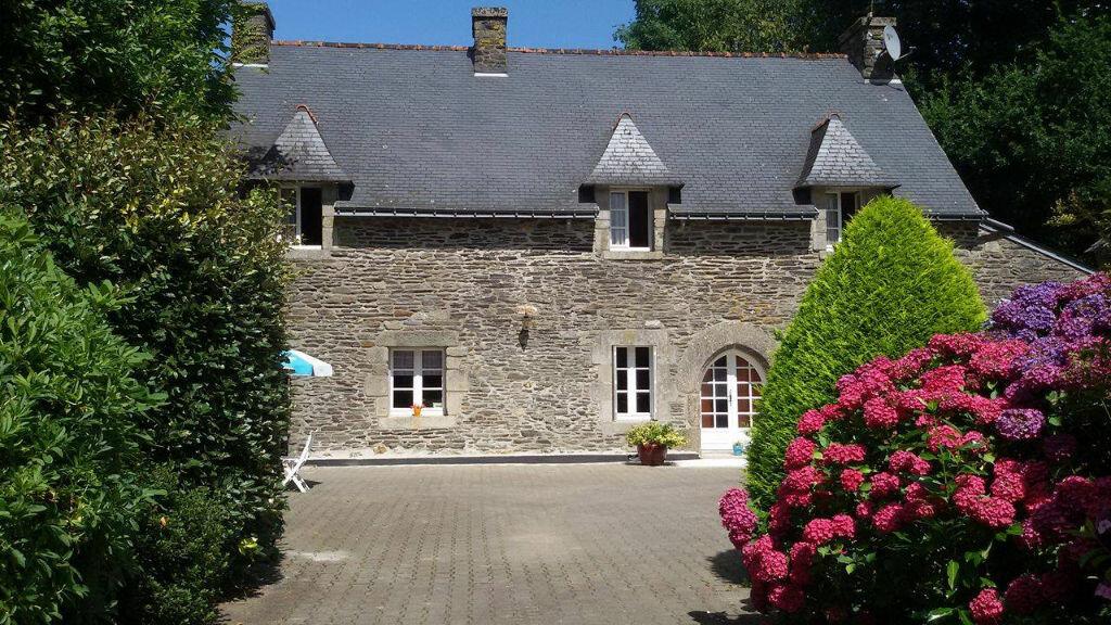Location Maison 6 pièces à Paule - vignette-1