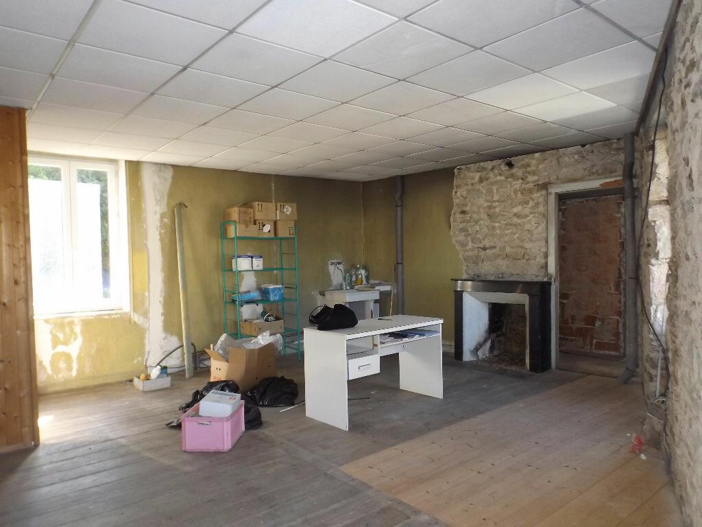 Achat Maison 4 pièces à Belle-Isle-en-Terre - vignette-5