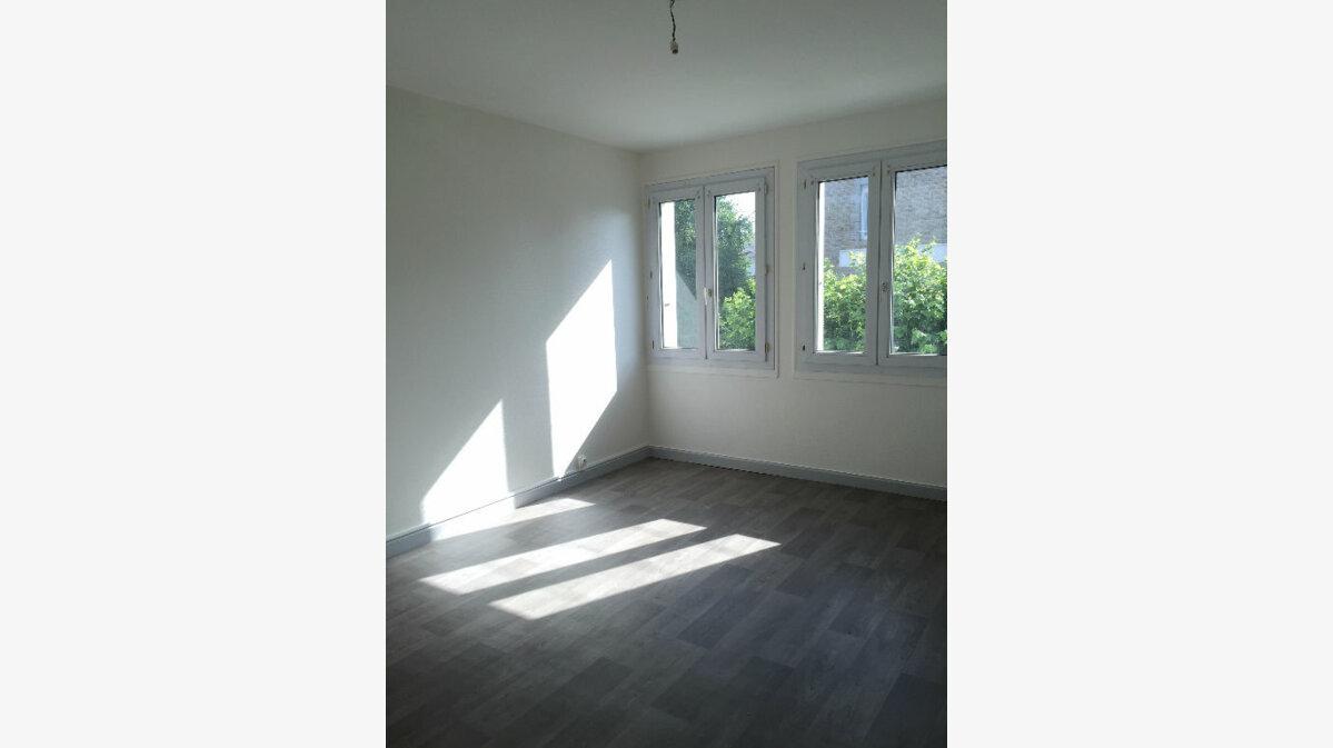 Location Appartement 3 pièces à Guingamp - vignette-1