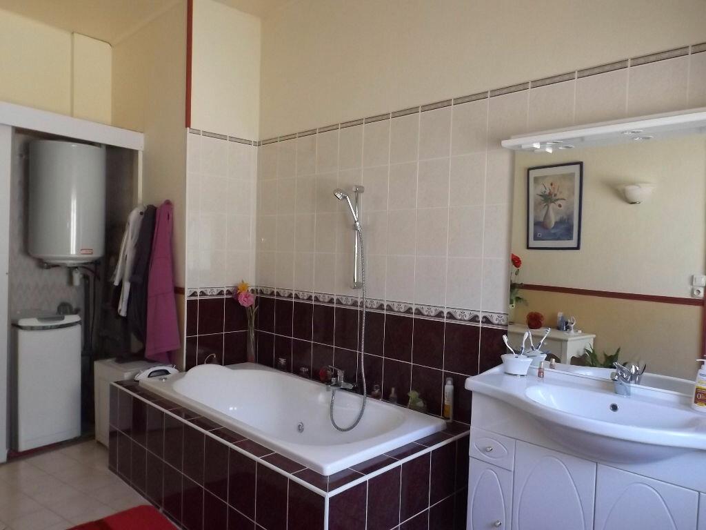 Achat Appartement 4 pièces à Guingamp - vignette-5