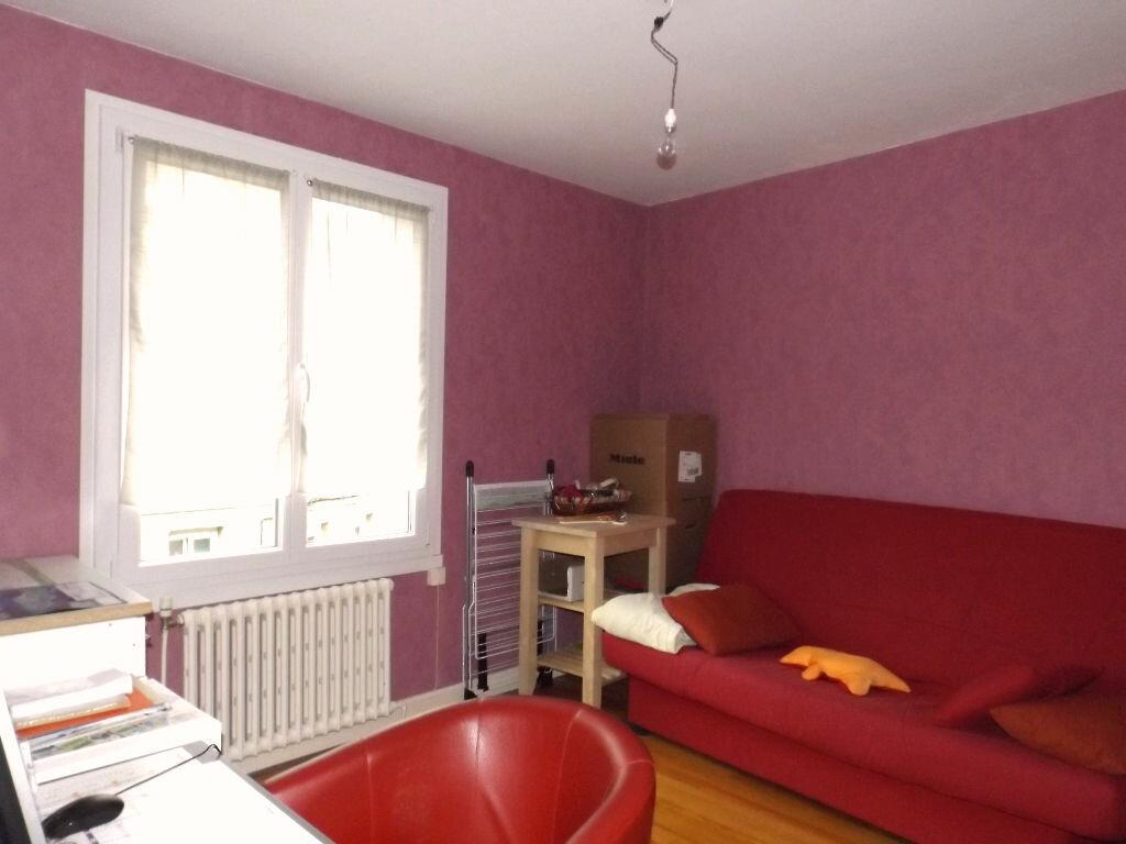 Achat Appartement 3 pièces à Guingamp - vignette-3