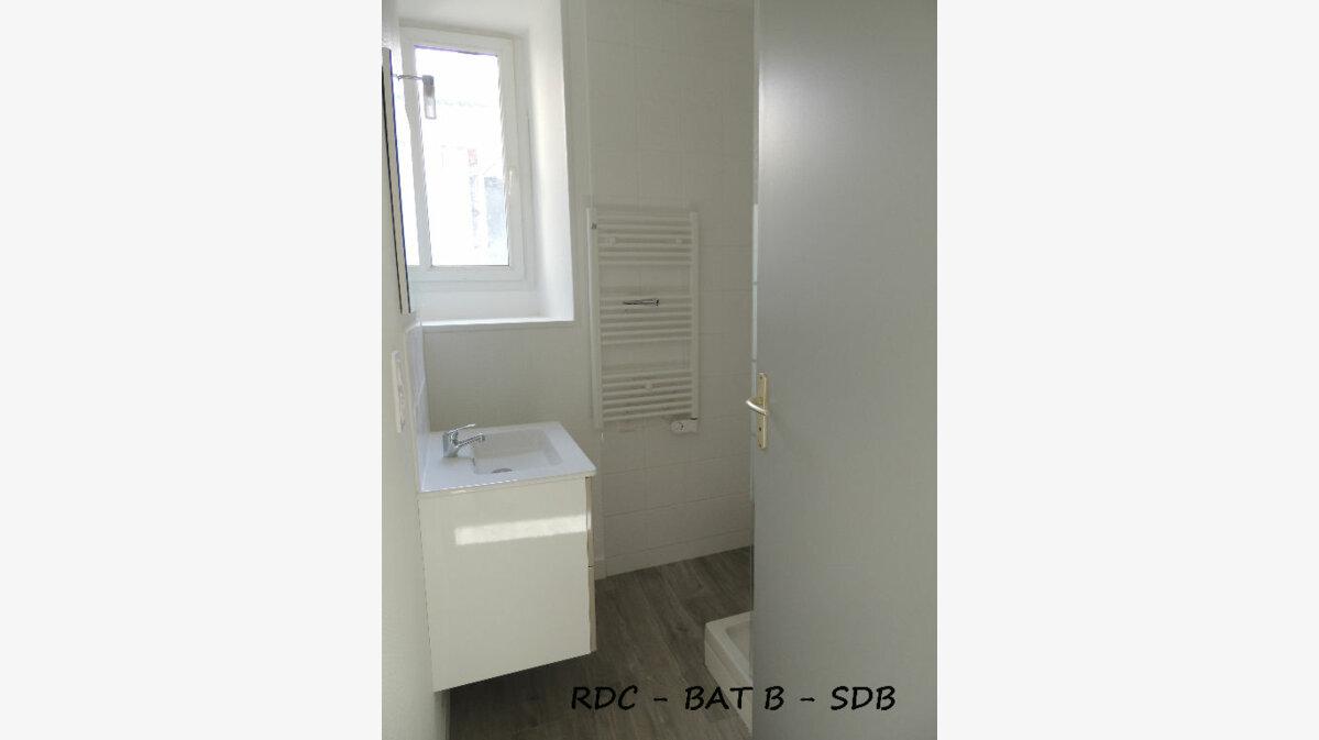 Location Appartement 3 pièces à Carhaix-Plouguer - vignette-5