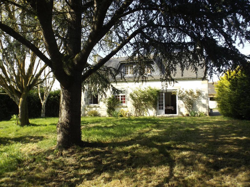 Achat Maison 7 pièces à Saint-Gilles-les-Bois - vignette-1