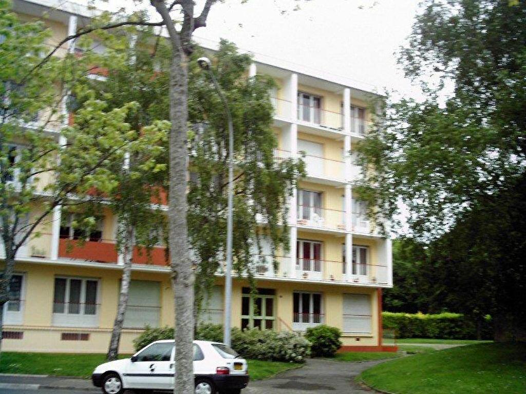 Achat Appartement 3 pièces à Saint-Brieuc - vignette-1