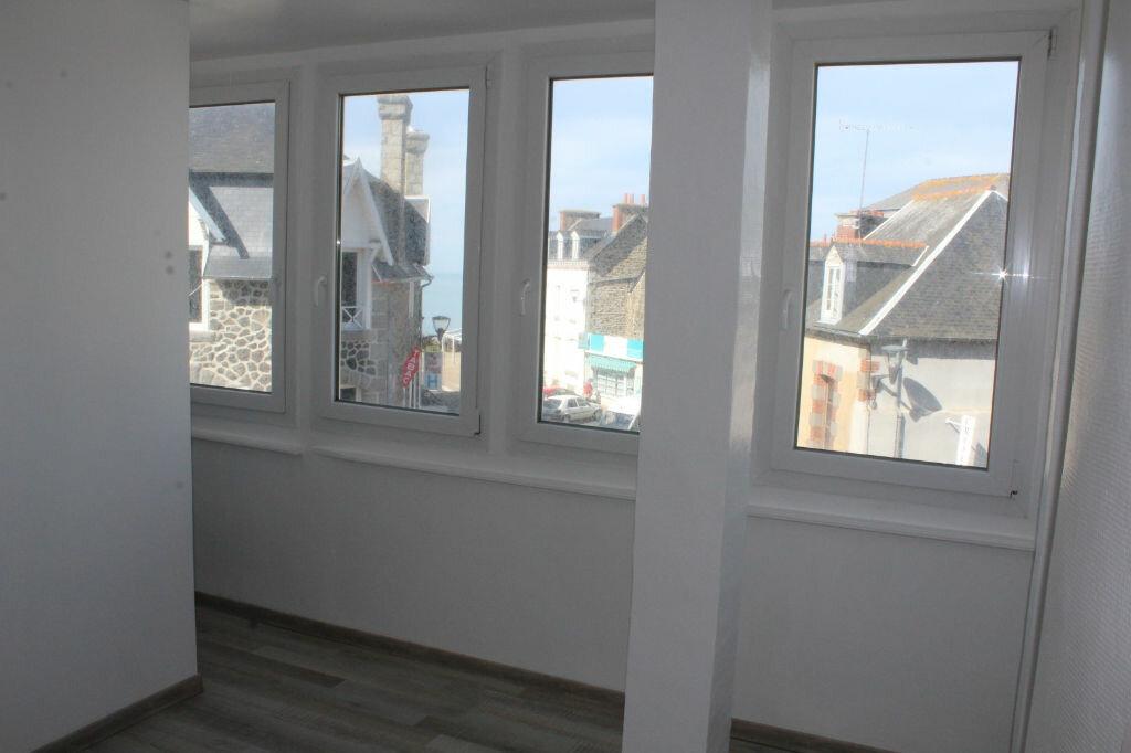 Achat Appartement 4 pièces à Saint-Quay-Portrieux - vignette-8