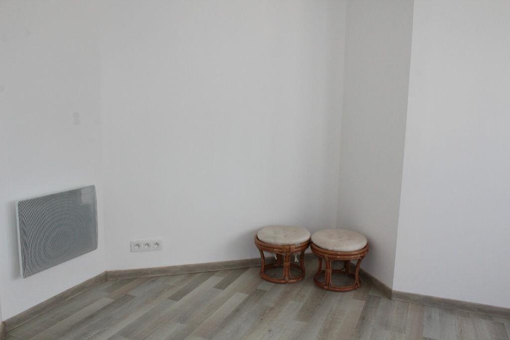 Achat Appartement 4 pièces à Saint-Quay-Portrieux - vignette-9