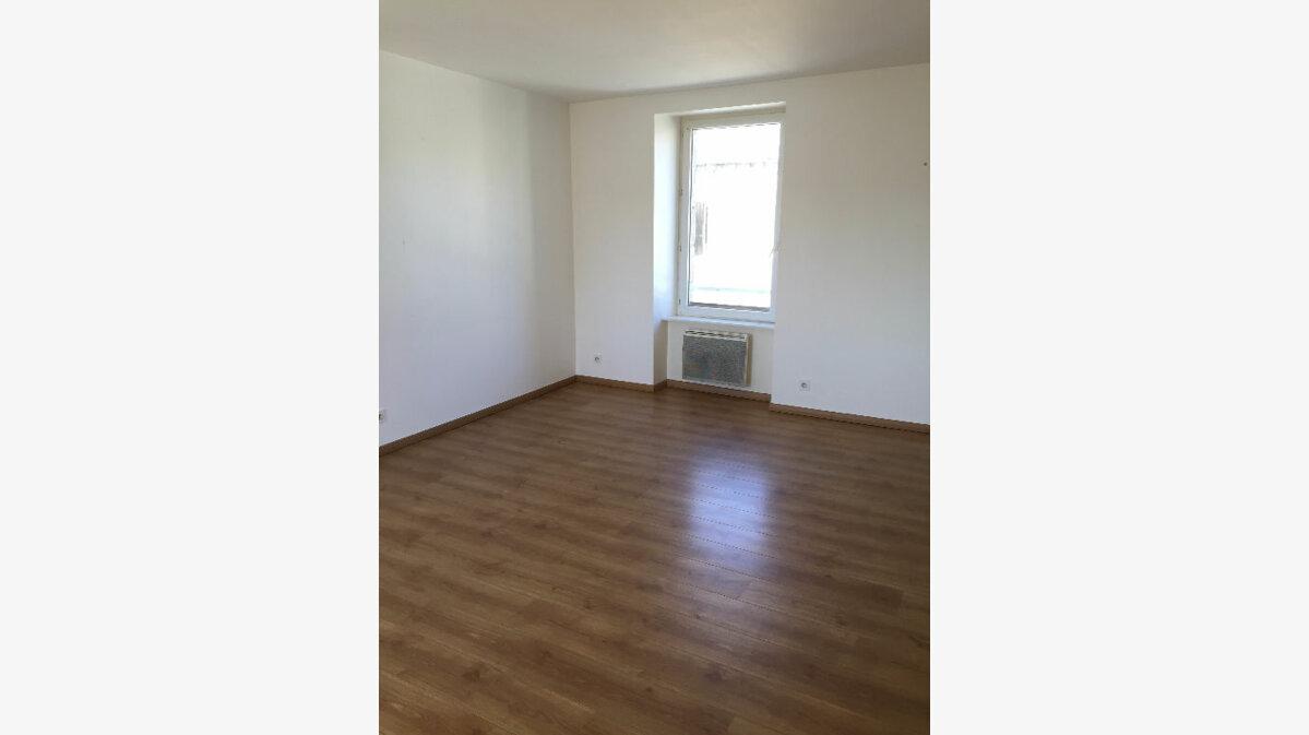 Location Appartement 5 pièces à Ploumagoar - vignette-1