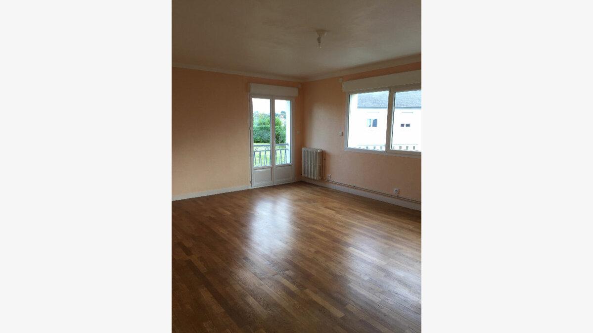 Location Appartement 3 pièces à Ploumagoar - vignette-1
