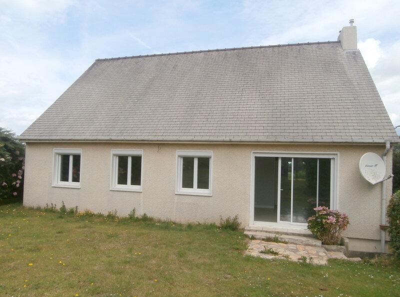 Location Maison 4 pièces à Trévou-Tréguignec - vignette-1