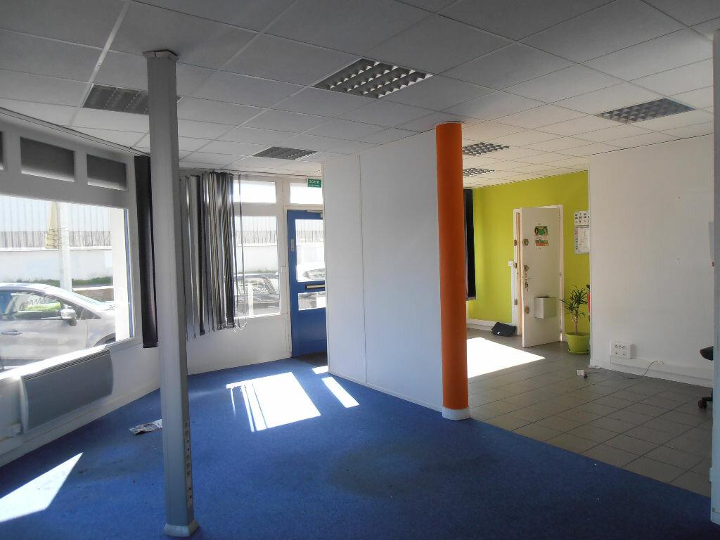 Location Local commercial  à Saint-Nazaire - vignette-1