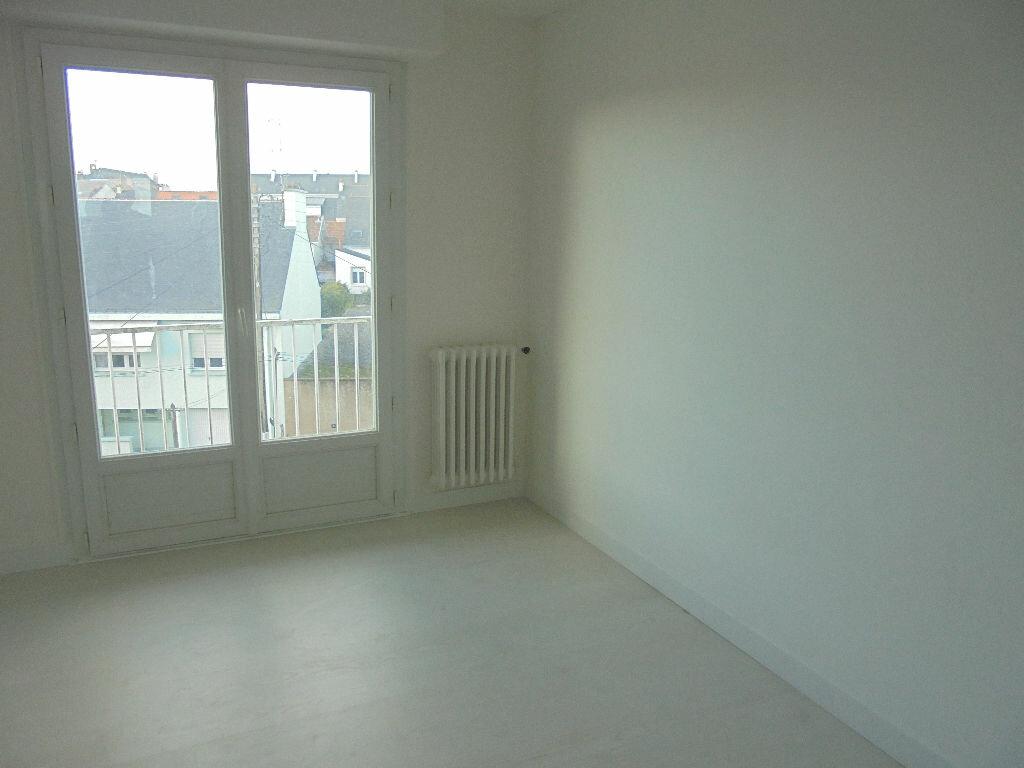 Location Appartement 3 pièces à Saint-Nazaire - vignette-5