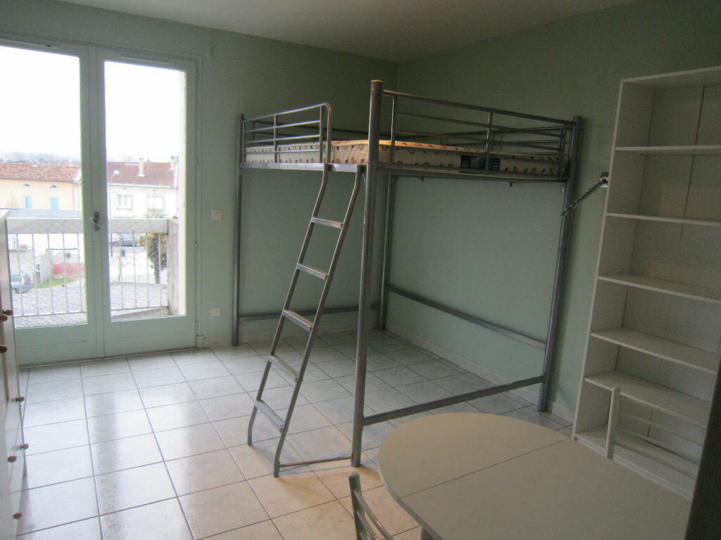 Location Appartement 1 pièce à Castres - vignette-2
