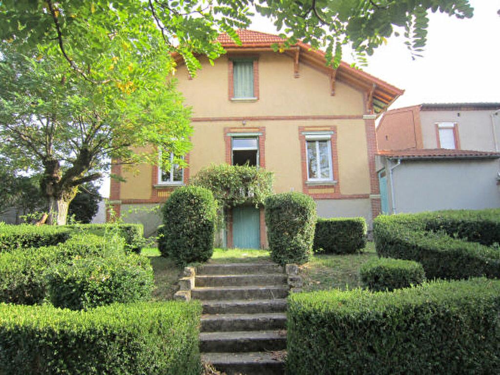 Location Maison 7 pièces à Castres - vignette-1