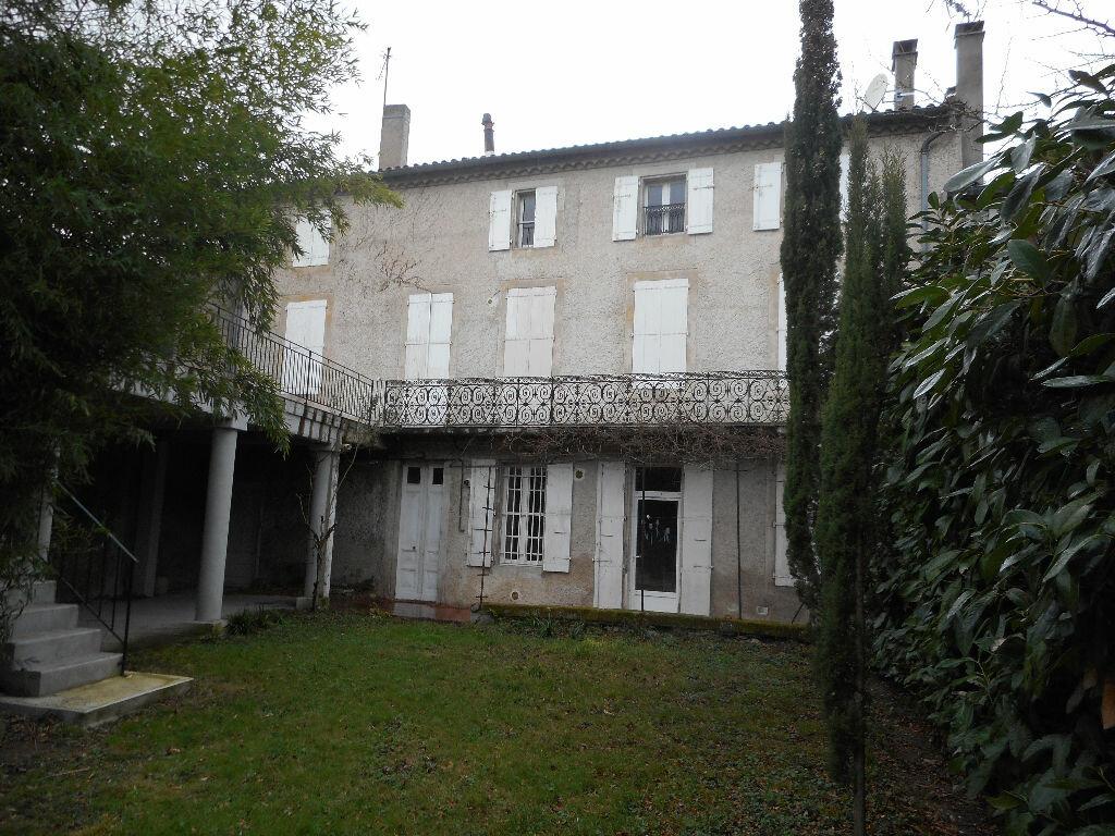 Location Maison 8 pièces à Castres - vignette-1