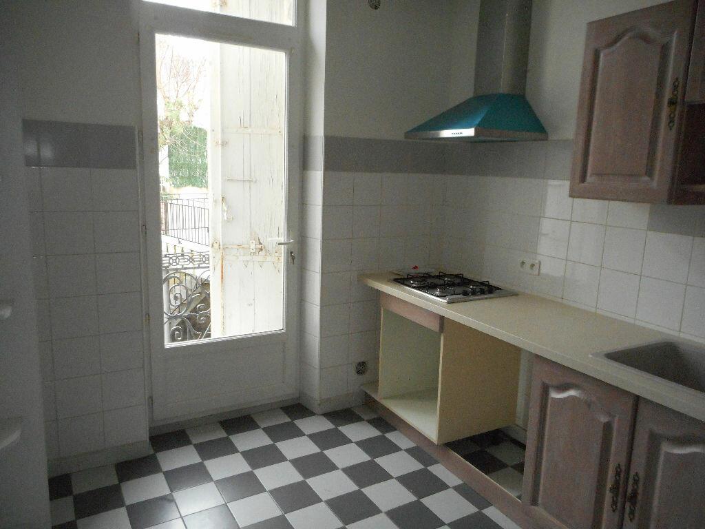 Location Maison 8 pièces à Castres - vignette-4