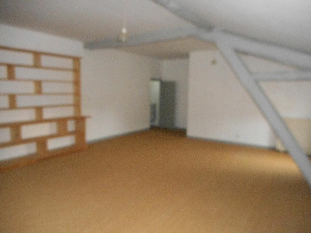 Location Maison 8 pièces à Castres - vignette-5