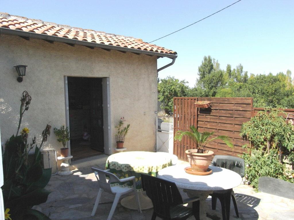 Location Maison 4 pièces à Lagardiolle - vignette-1