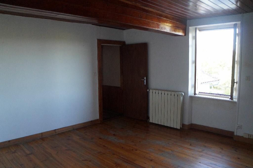 Location Maison 4 pièces à Lagardiolle - vignette-5