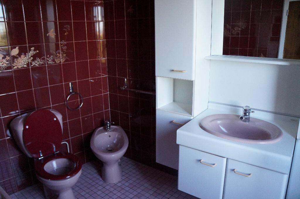 Location Maison 4 pièces à Lagardiolle - vignette-6