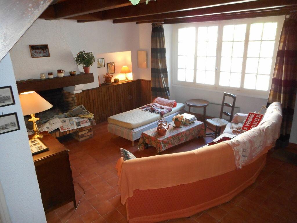 Achat Maison 6 pièces à Castelnau-de-Brassac - vignette-3