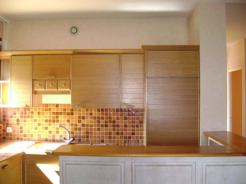 Achat Appartement 3 pièces à Albi - vignette-2