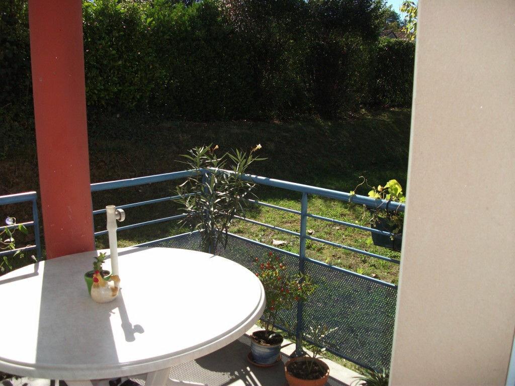 Achat Appartement 3 pièces à Saint-Juéry - vignette-3