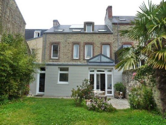 Achat Maison 10 pièces à Cherbourg-Octeville - vignette-1