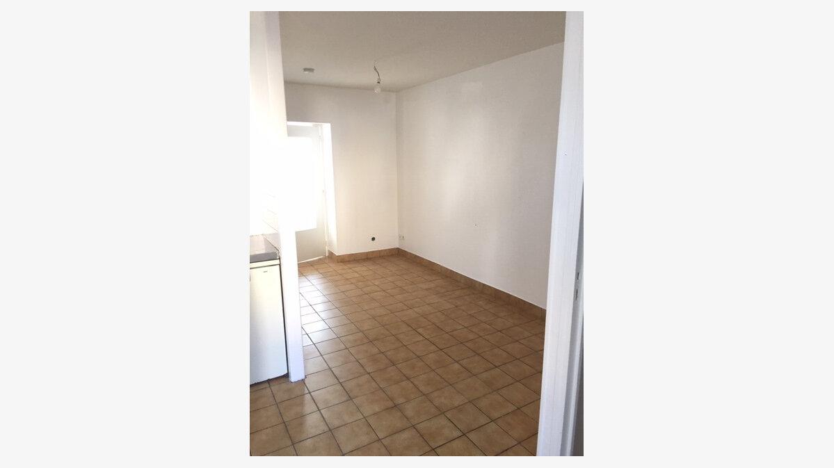 Location Appartement 2 pièces à Équeurdreville-Hainneville - vignette-5