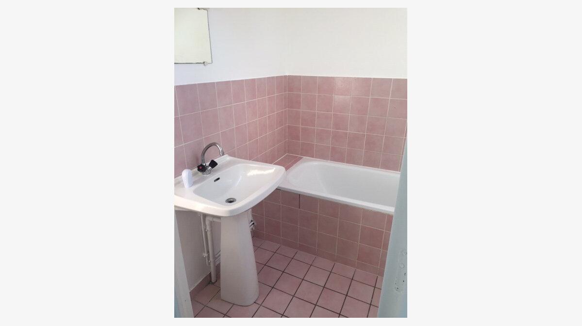 Location Appartement 2 pièces à Équeurdreville-Hainneville - vignette-6