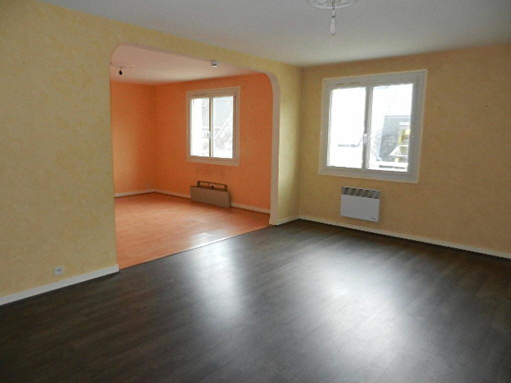 Location Appartement 5 pièces à Cherbourg-Octeville - vignette-3