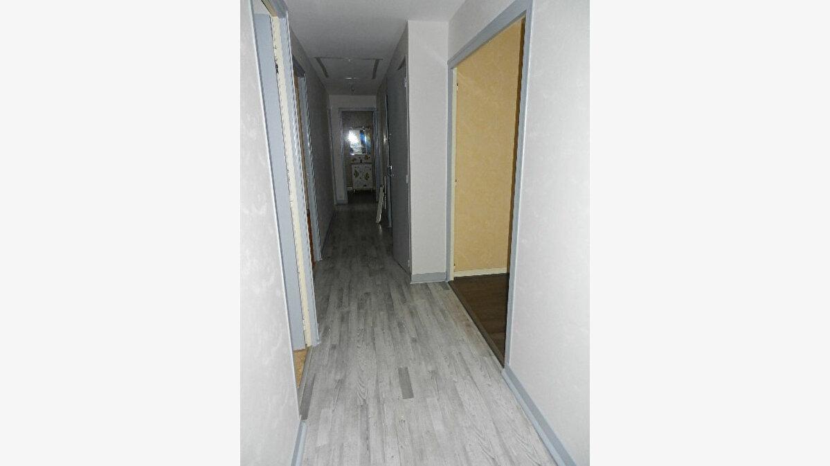 Location Appartement 5 pièces à Cherbourg-Octeville - vignette-5