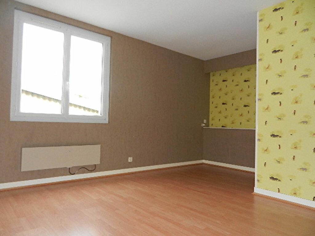Location Appartement 5 pièces à Cherbourg-Octeville - vignette-8