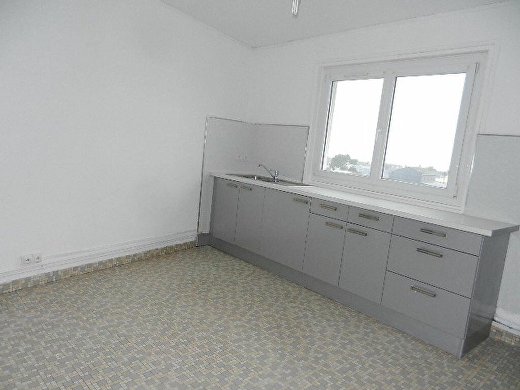 Location Appartement 3 pièces à Tourlaville - vignette-4
