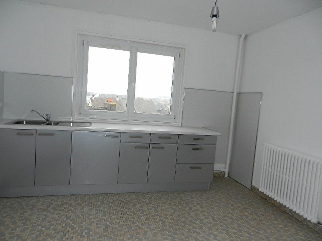 Location Appartement 3 pièces à Tourlaville - vignette-5