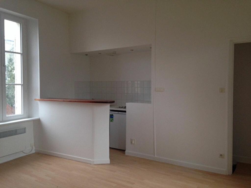 Location Appartement 1 pièce à Saint-Vaast-la-Hougue - vignette-1