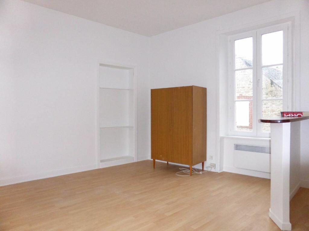 Location Appartement 1 pièce à Saint-Vaast-la-Hougue - vignette-2