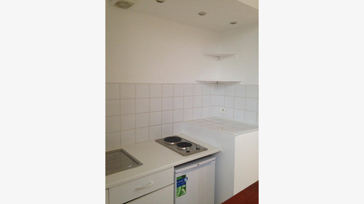 Location Appartement 1 pièce à Saint-Vaast-la-Hougue - vignette-3