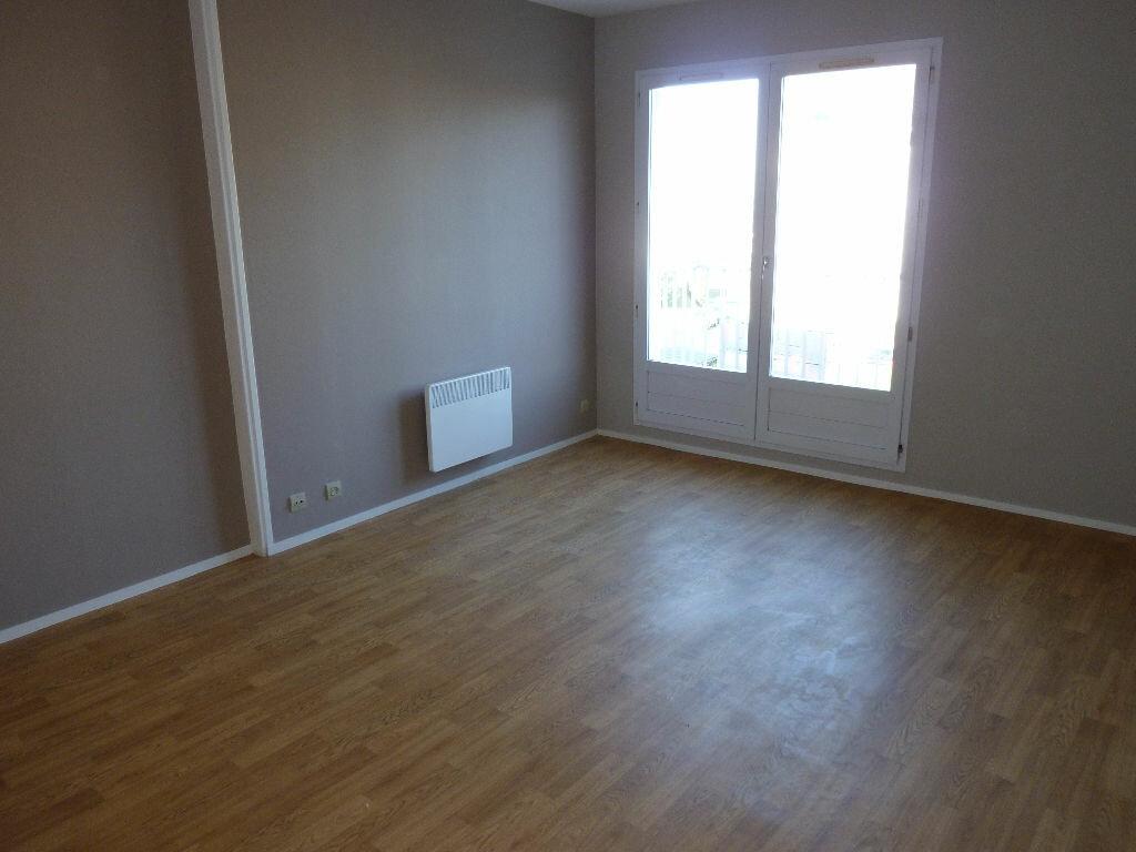 Location Appartement 3 pièces à Cherbourg-Octeville - vignette-1